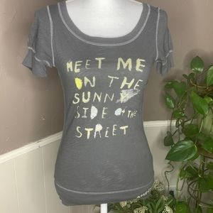 American Eagle Outfitters Gray Sun Graphic Tee